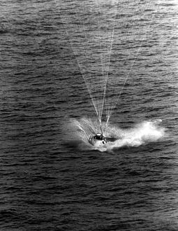 323236-USA-SPACE-APOLLO 9-SPLASHDOWN