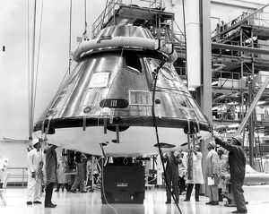 APOLLO-SPACE CAPSULE