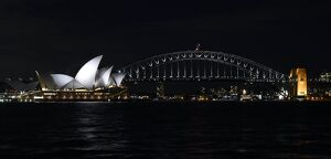 AUSTRALIA-ENVIRONMENT-CLIMATE-WARMING-ENERGY-EARTH HOUR-BRIDGE-SYDNEY