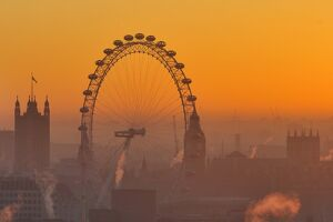 BRITAIN-LONDON-SUNSET