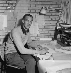 (FILES) Danish architect Jorn Utzon poses for photographer in his home in Elsinore