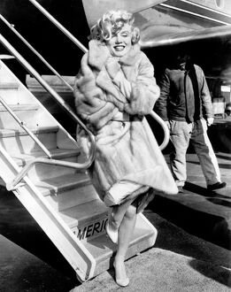 Marilyn Monroe Poses at La Guardia Airport