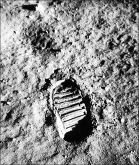 MOON-APOLLO XI-FOOTPRINT