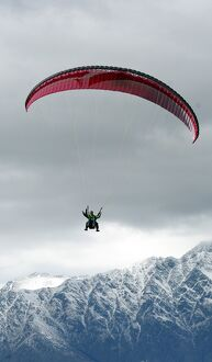 NEW ZEALAND-FEATURE-PARAGLIDING