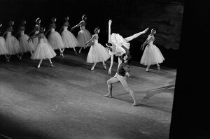 Rudolf Nureyev and Margot Fonteyn Perform Swan Lake