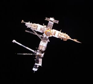 RUSSIAN MIR SPACE STATION