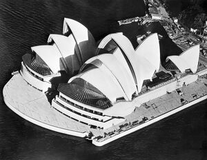 SYDNEY-OPERA HOUSE-CONSTRUCTION