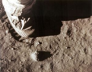 US-APOLLO XI-FOOTPRINT