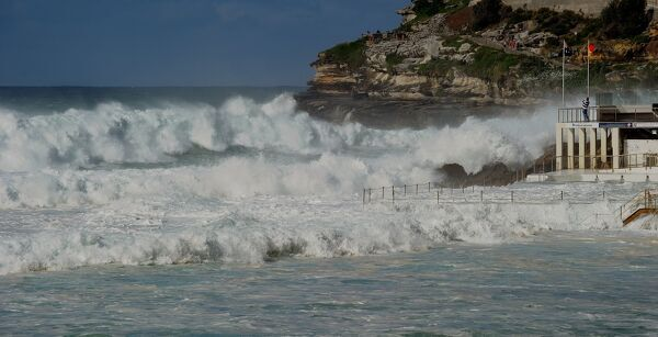 Australia-Weather-Warning-Surf