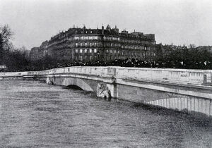 vintage archive/france great flood history paris