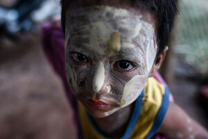 portraits/myanmar lifestyle people face up close child