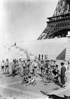 vintage archive/beauty everyday paris life summer paris/paris summer illustration