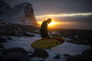 SURFING-NOR-ARCTIC-SUNSET