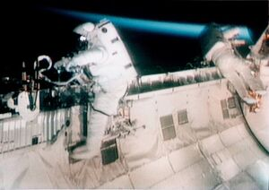 US-SPACEWALK