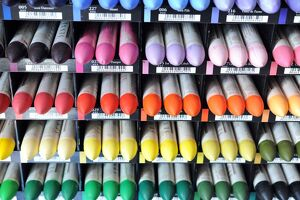 A view of different pastel crayons in a workshop at the Raphael-Isabey-Sennelier